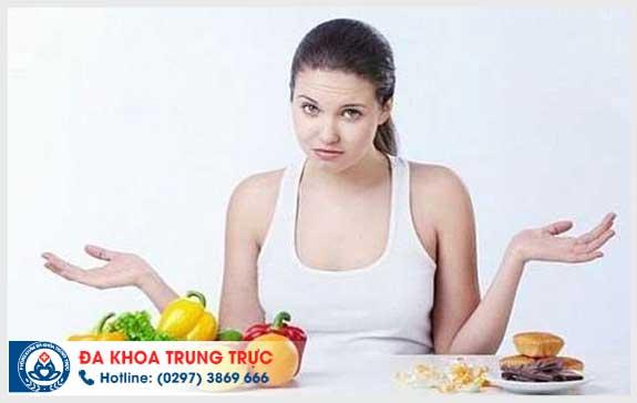Người bị bệnh trĩ nên và không nên ăn gì?