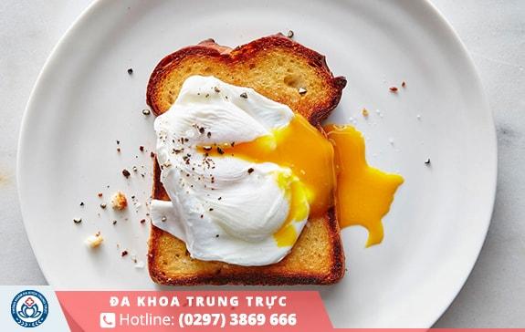 Amino axit có trong trứng giúp xây dựng cơ bắp nam giới rất tốt
