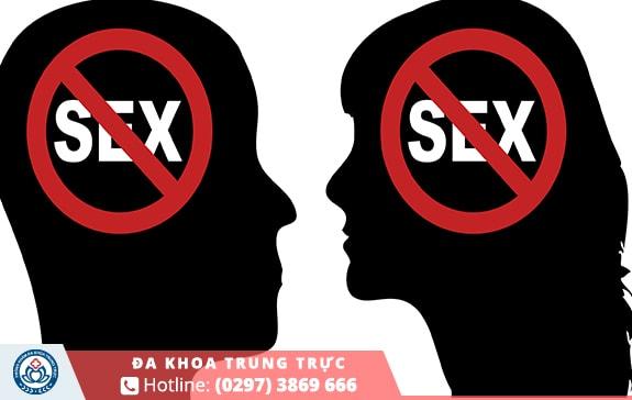Nam giới nên hạn chế hoặc không quan hệ trước khi cắt bao quy đầu