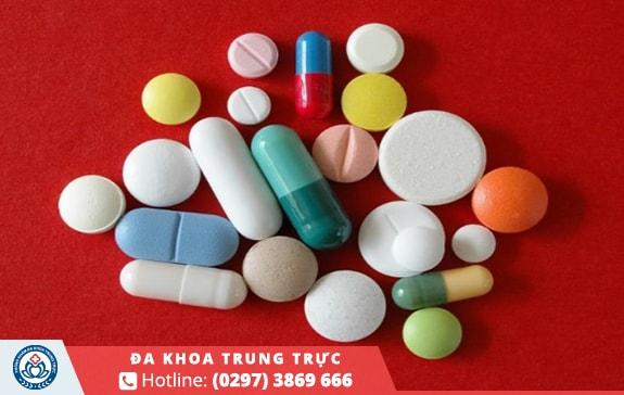 Sử dụng thuốc uống, thuốc bôi, thuốc đặt đặc hiệu