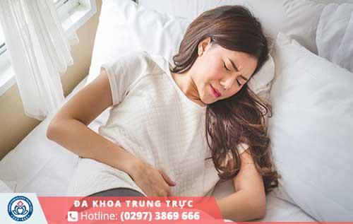 Có thai 3 tháng đầu bị đau bụng dưới có làm sao không ?