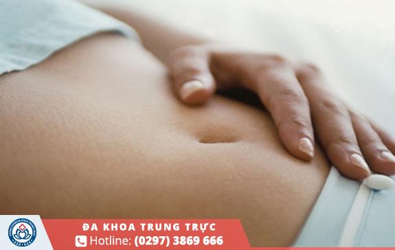 Có thai 3 tháng đầu hay đau bụng dưới là do đâu ?
