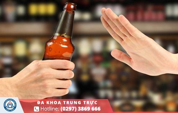 Không được sử dụng đồ uống chứa cồn sau hậu phẫu