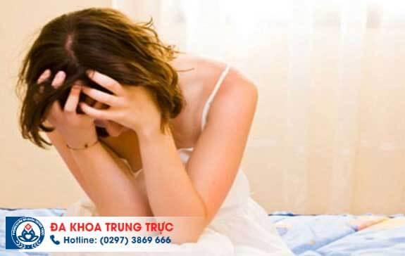 4 triệu chứng phụ khoa cảnh báo viêm ống dẫn trứng ở phái nữ