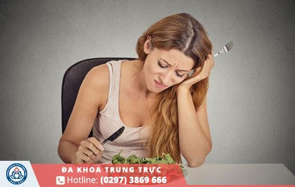 Ăn uống không đủ chất ảnh hưởng đến kinh nguyệt