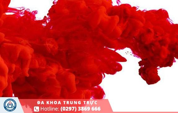 máu kinh màu đỏ tươi